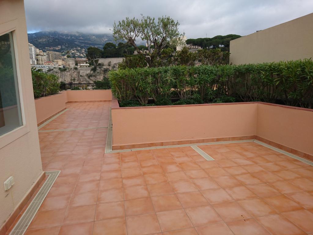 Bel appartement avec toit terrasse superbe vue for Terrasses en vue immobilier