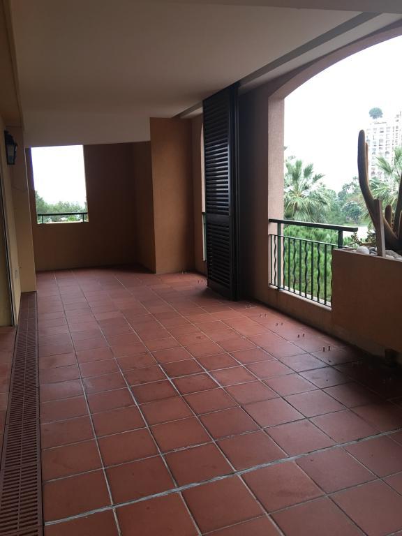 Spacieux appartement a fontvieille appartement 3 pi ces for Cuisine exterieure monaco