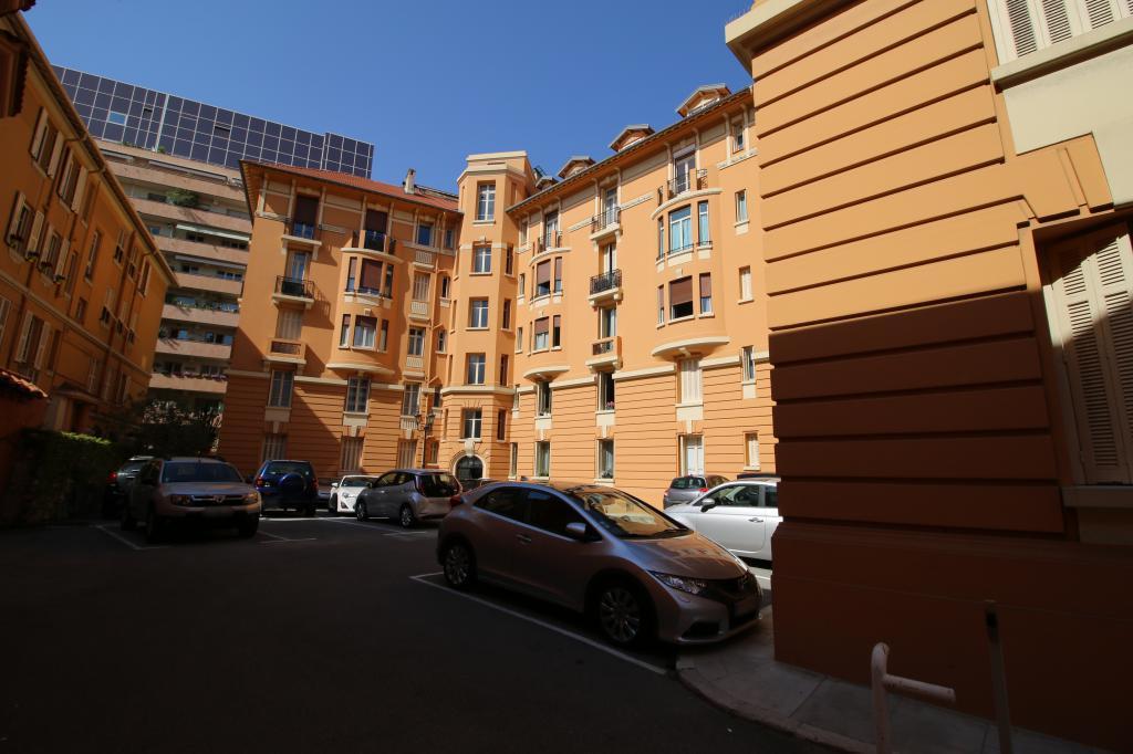 Chambre de bonne chambre de bonne studios monaco - Chambre des notaires immobilier ...