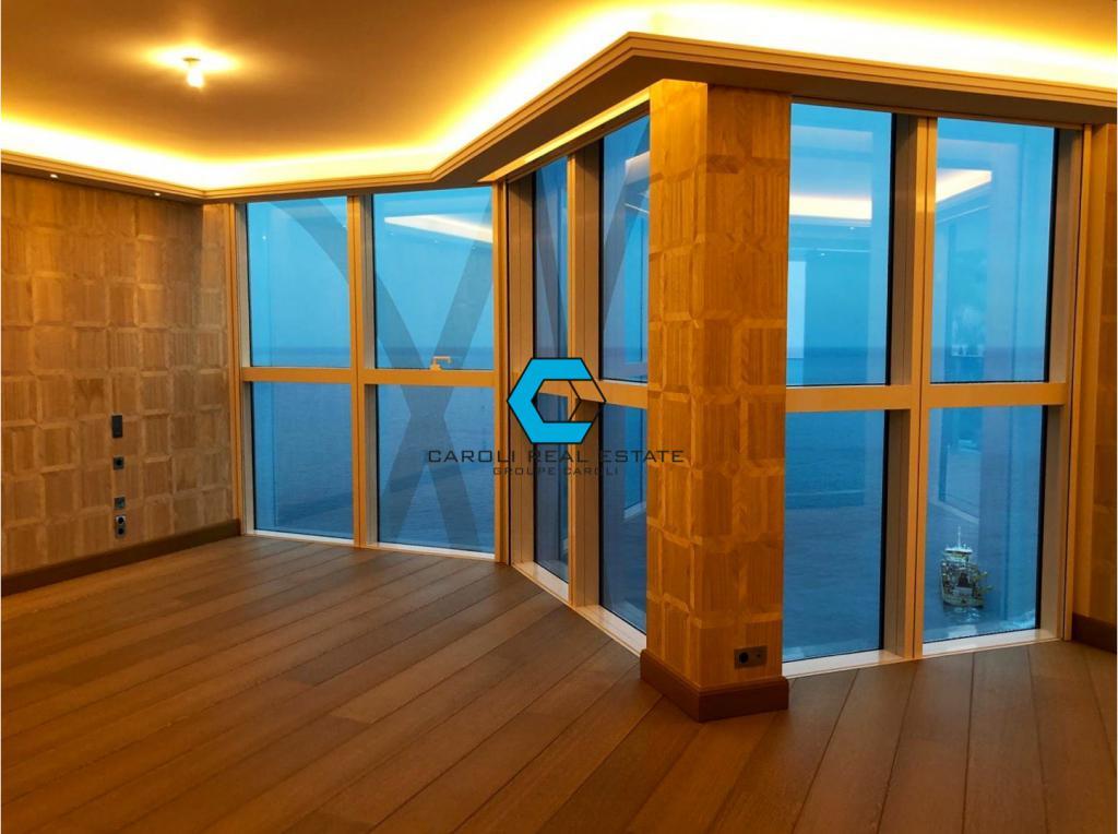 Luxueux appartement en tage lev appartement 5 pi ces for Meilleure exposition appartement