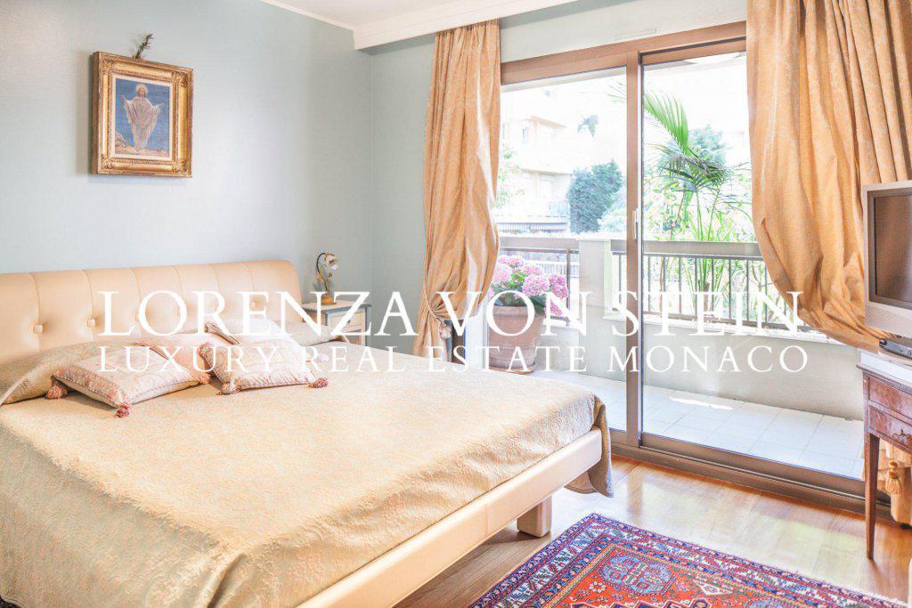 vaste appartement de ma tre appartement 5 pi ces monaco. Black Bedroom Furniture Sets. Home Design Ideas