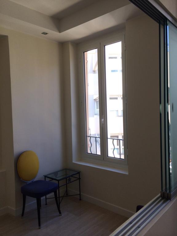 monaco 11 rue saige 2 pi ces appartement 2 pi ces monaco. Black Bedroom Furniture Sets. Home Design Ideas