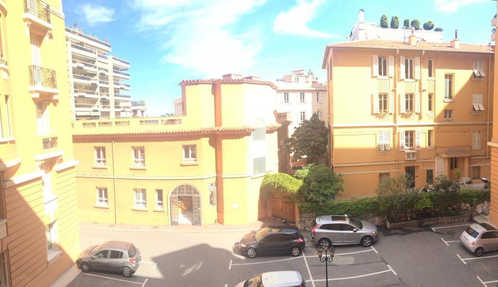 Monaco sim palace 5 pi ces appartement 5 pi ces monaco for Chambre immobiliere monaco