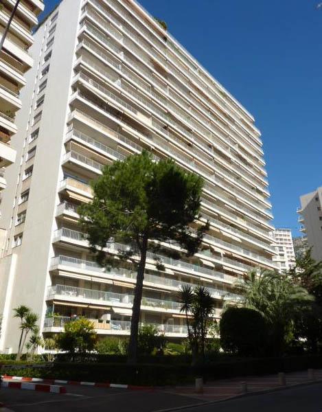 Monaco ch teau d 39 azur studio appartement studios monaco for Agence immeuble