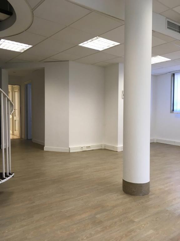 Un bureaux louer en duplex 5 pi ces monaco for Chambre a louer monaco