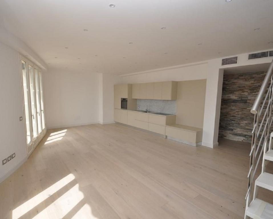 Azur eden 3p penthouse quartier larousse penthouse 3 for Chambre larousse