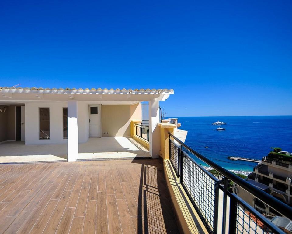 Azur eden 2 bedrooms penthouse in larousse area for Chambre larousse