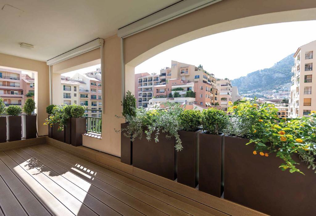 Penthouse fontvieille sumptuous decoration penthouse 5 - Decoration balcon terrasse appartement ...