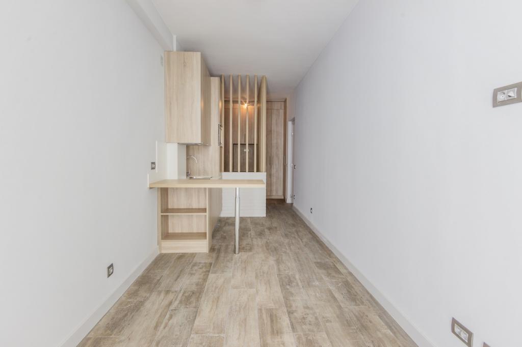 Trocadero chambre de bonne de luxe r nov n 6 chambre de for Chambre de bonne location