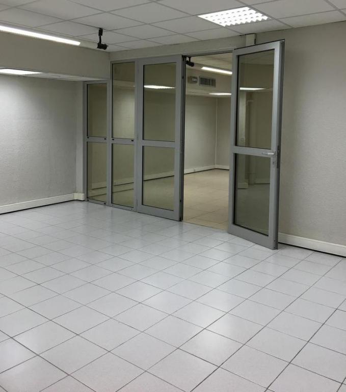 Les ligures bureaux local commercial vendre bureau for Chambre commercial