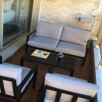 Buckingham: Studio semi-meublé, climatisé, parfait état, grande loggia