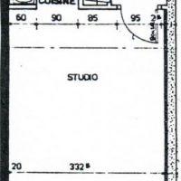 Raphael; monolocale semi-meuble per affitto