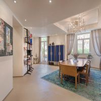 Large 4 bedroom apt with high standard services