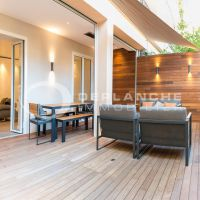 Very nice 1 bdr apt close to the Golden Square