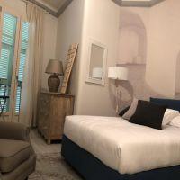 Elegant 2 bed refurbished apt in Condamine area