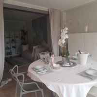 FRANCE: Beautiful 2 bed Flat for short Term Rent