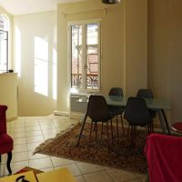 Excellent 2 room Flat with furniture