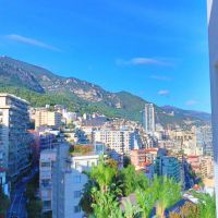 Bellissimo monolocale, terrazza con vista montagna