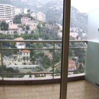 Studio avec vue panoramique, colline, échappée mer