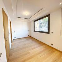 RARE: SPLENDID 5 BEDROOM CLOSE TO MONACO HARBOUR