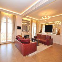 Beautiful bourgeois apartment
