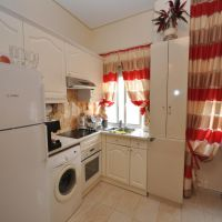 Charming 2 room flat, nice residence near center.