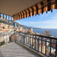 Exceptional sea views, 2 room flat near Carré d'Or