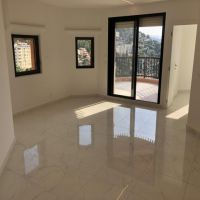 2 Refurbished Bedrooms with Sea View