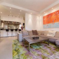 Luxurious 4-bedroom apartment completely renovated