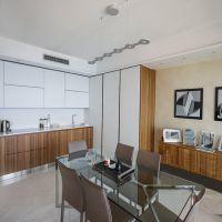 Les Abeilles - Spacious two bedroom apartment