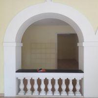 Monaco / Locale con doppia vetrina situata su una zona commerciale
