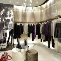 Ready-to-wear store with high visibility/ideal investment