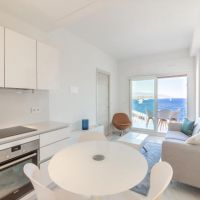 2 roomed apartment over the harbour