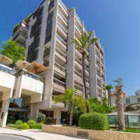 Prestigious penthouse apartment with preivate swimming pool
