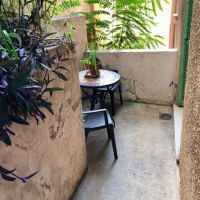3 roomed apartment law 887