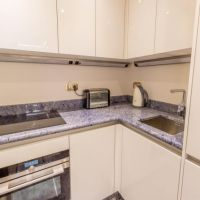 SOLE AGENT: 1 BEDROOM APARTMENT IN THE GOLDEN SQUARE
