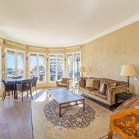 EXCLUSIVITY Rare: Boulevard de Suisse. Charming penthouse near Carré d'Or