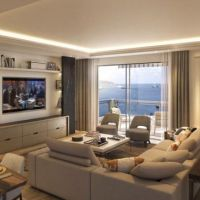 IN FRONT OF THE SEA - Large 3 bedroom apartment
