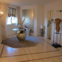 Beautiful apartment luxuriously renovated