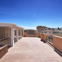 Lovely 3 room apartment with roof terrace