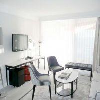 FAIRMONT HOTEL RESIDENCY - GOLDEN SQUARE