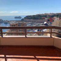 Apartment overlooking - the port of Monaco