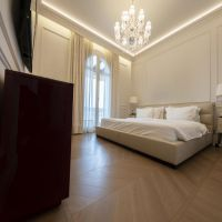 Gorgeous 6-room apartment - Bourgeois building