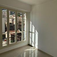 Raro ed eccezionale: Splendido penthouse vista Porto e Roccia