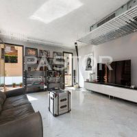 Villa ideally located between the Carré d'Or and the Larvotto be