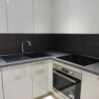 1 BEDROOM NEW REFURBISHED