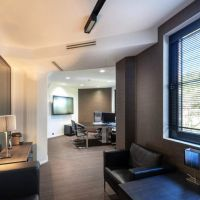 PRINCE DE GALLES - luxury offices for rent
