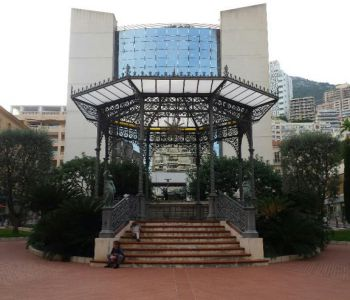 Piazza Gastaud: civettuola 2 Pezzi in ottime condizioni, uso misto