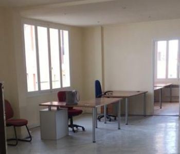 200 sqm offices