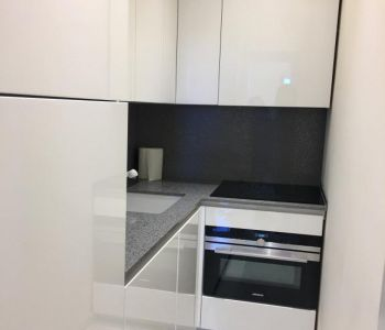 Beautiful 1 bedroom refurbished apartment - Central position and mixte use